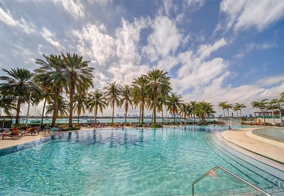 1500 Bay Rd S-1110, Miami Beach, FL