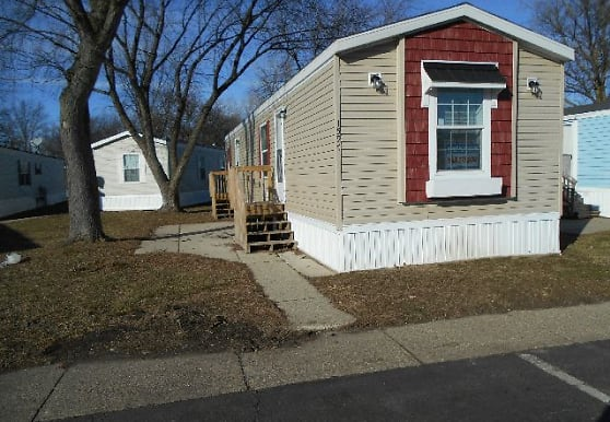 26131 Dequindre Road, Madison Heights, MI