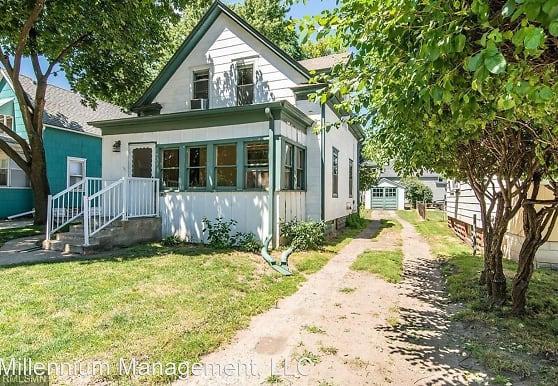 1433 Hewitt Ave, Saint Paul, MN