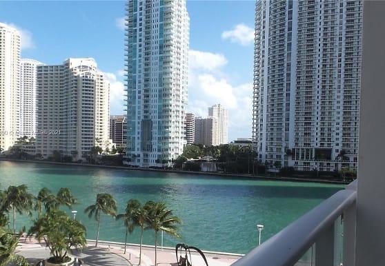 300 S Biscayne Blvd L-632, Miami, FL
