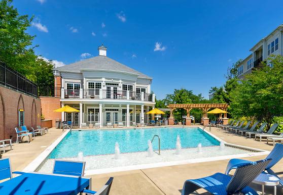 Signal Hill Apartment Homes, Woodbridge, VA