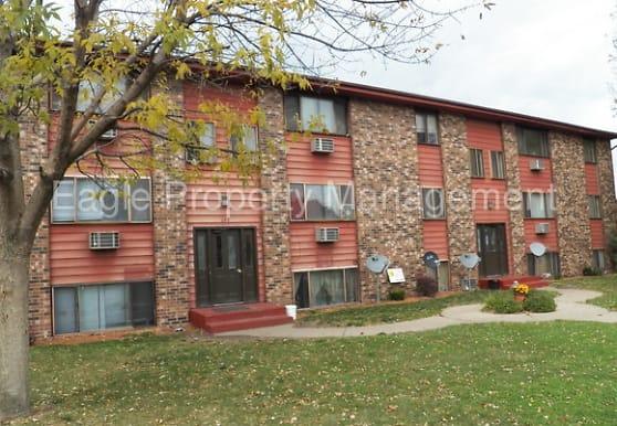 640 16th Ave SW, Cedar Rapids, IA