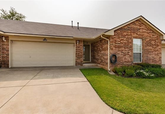 205 N Kelly Avenue, Edmond, OK