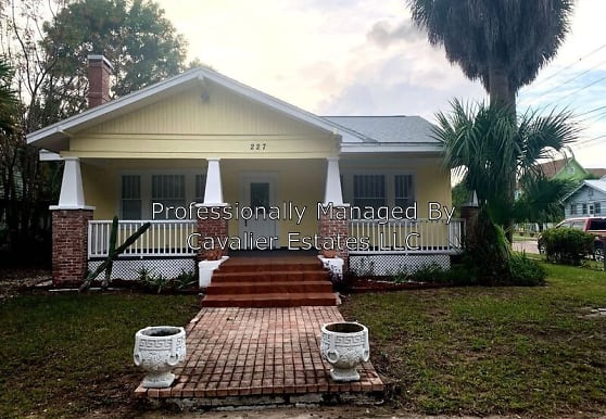 227 North Grosse Ave, Tarpon Springs, FL