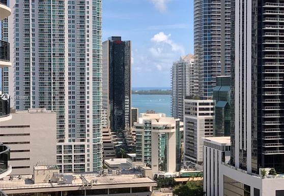 55 SW 9th St 2003, Miami, FL