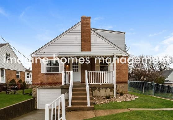 116 S Grove Ave, Wyoming, OH