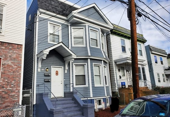 36 Arverne Terrace, Irvington, NJ