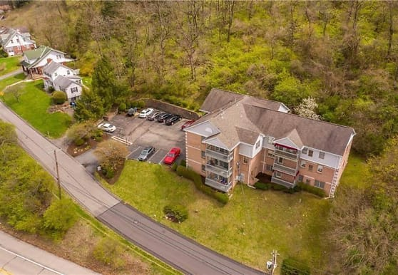 2445 Old Greentree Rd 3A, Carnegie, PA