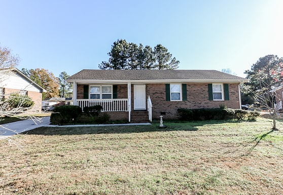 725 Lincoln Dr, Rocky Mount, NC