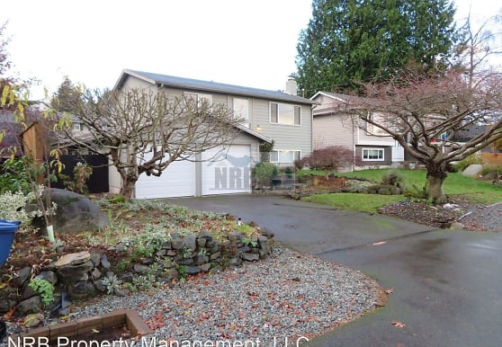 28612 13th Ave S, Federal Way, WA