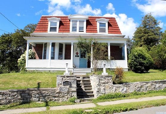 49 Thompson St, Catskill, NY