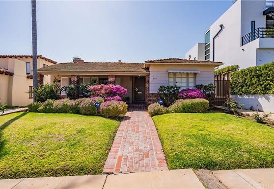 1357 Woodruff Ave, Los Angeles, CA