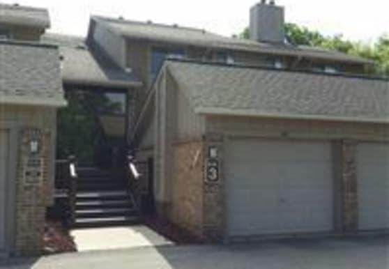 11827 Sycamore Rd, Plymouth, MI