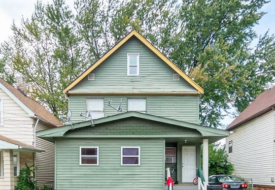 3576 W 63rd St, Cleveland, OH