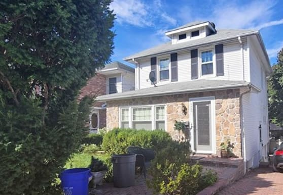 1565 Anderson Ave, Fort Lee, NJ
