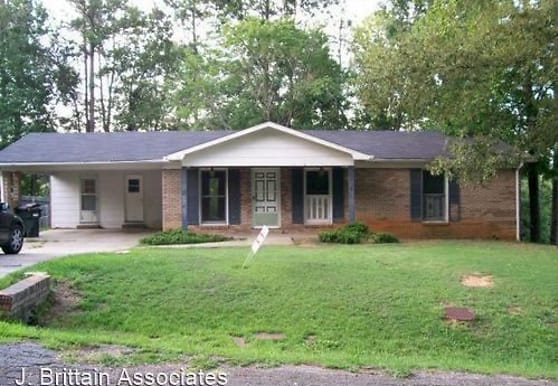 31 Carriage Rd, Anniston, AL