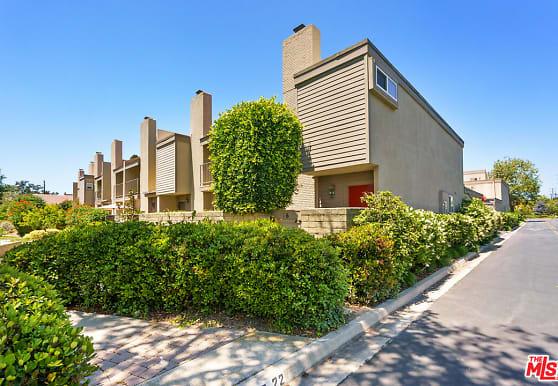 16 Village Pkwy, Santa Monica, CA