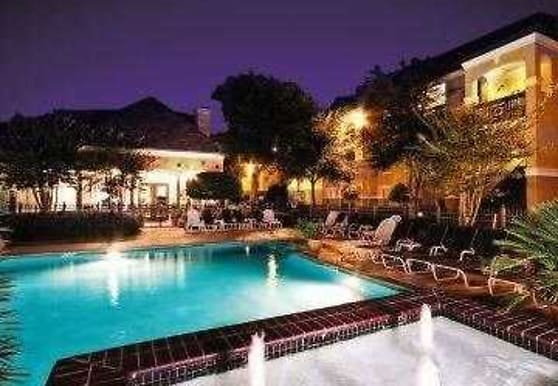 LaCrosse Apartments & Carriage Homes, Bossier City, LA
