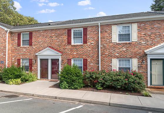 Barracks West Apartments, Charlottesville, VA