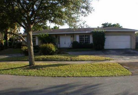 5260 SW 8TH CT, Plantation, FL