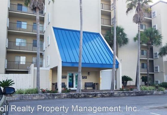 6211 Thomas Dr, Panama City, FL