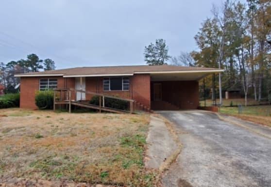 100 Randall Dr SE, Milledgeville, GA