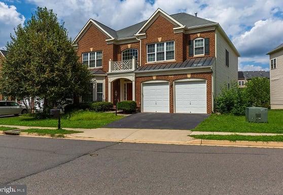13646 Sweet Woodruff Ln, Centreville, VA