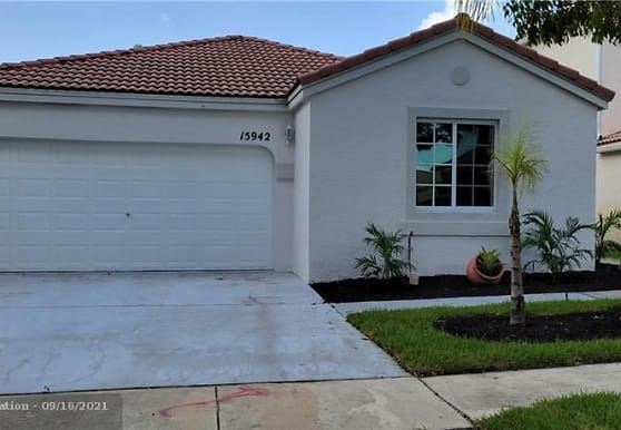 15942 NW 21st St, Pembroke Pines, FL
