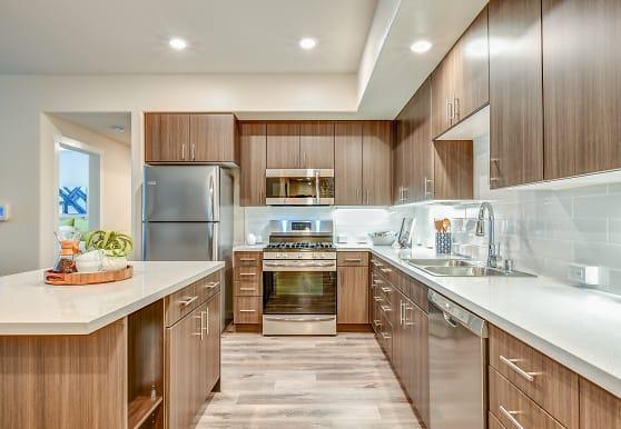Hub Apartments, Folsom, CA