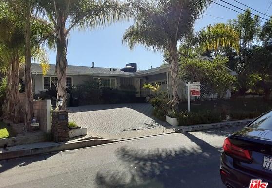 3650 Sapphire Dr, Los Angeles, CA