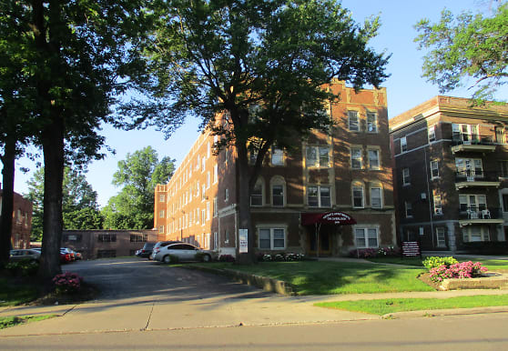 Heights Apartments on Overlook, Cleveland Heights, OH