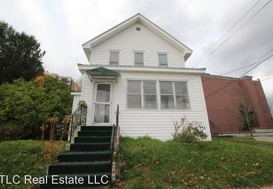 221 West St, Carthage, NY
