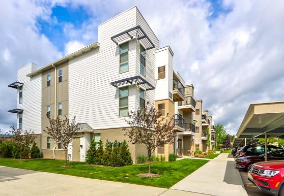 Five Points Apartments, Auburn Hills, MI