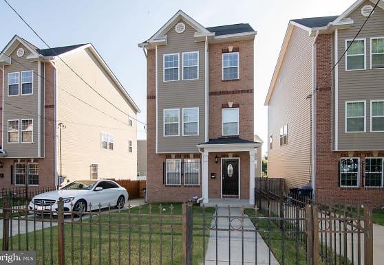 4294 South Capitol Terrace SW, Washington, DC