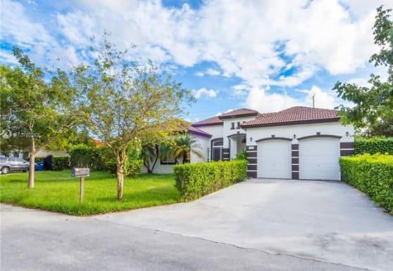 12989 SW 226th Terrace, Miami, FL