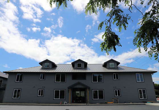 33730 E Columbia Ave, Scappoose, OR