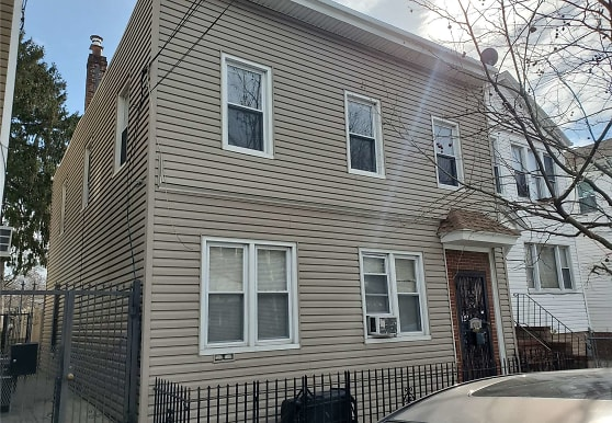 87-13 78th St, Queens, NY