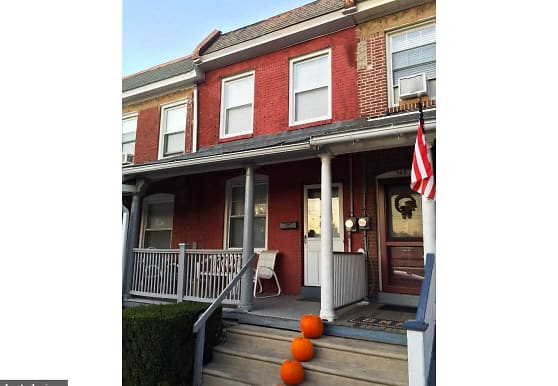 947 Sargent Ave, Bryn Mawr, PA
