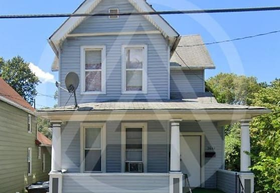 2044 W 44th St 2, Cleveland, OH