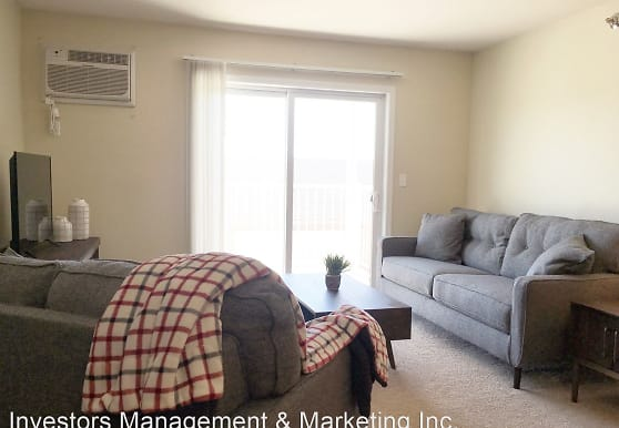 3920, 3850, 3880 Garden View Drive, Grand Forks, ND