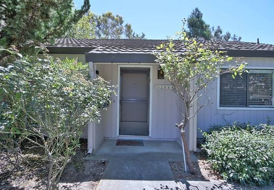 2464 Poett Ln, Santa Clara, CA