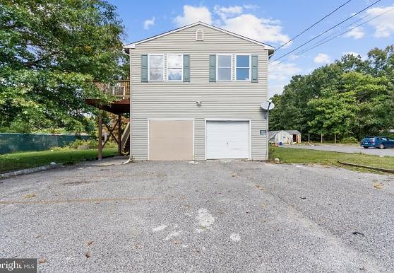 123 Earl Ave 5, Glassboro, NJ
