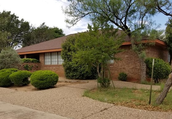 2900 Goddard Pl, Midland, TX