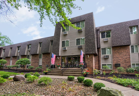 Peppertree Apartments, Niles, OH