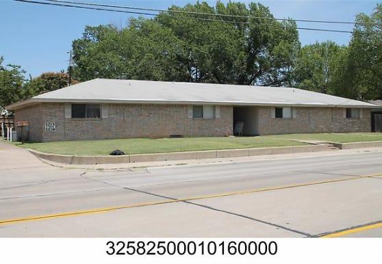 3221 W Shady Grove Rd, Irving, TX
