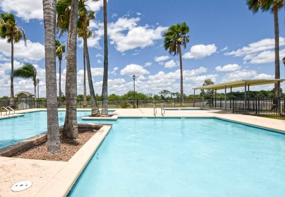La Herencia Apartments, Mercedes, TX