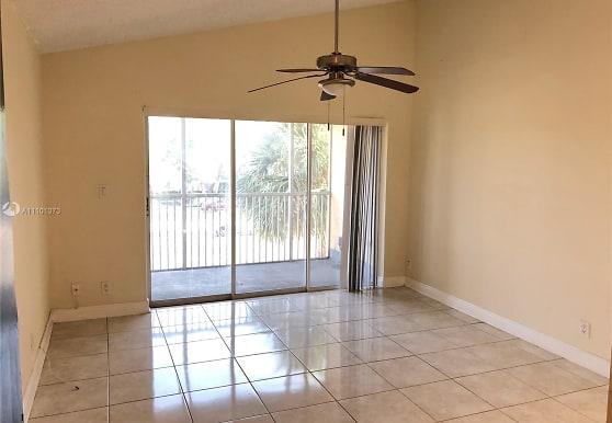 5686 Rock Island Rd 137, Tamarac, FL