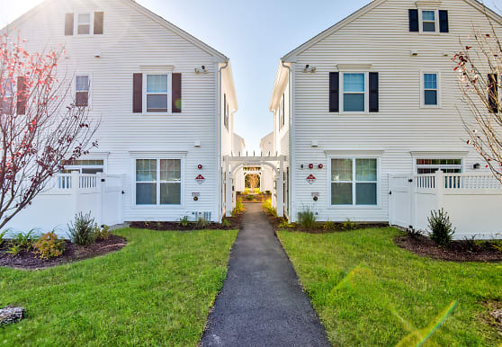 The Residences at Oakland Road, South Windsor, CT