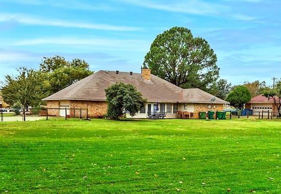 321 Waketon Rd, Lewisville, TX