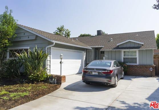 5444 Saloma Ave, Los Angeles, CA